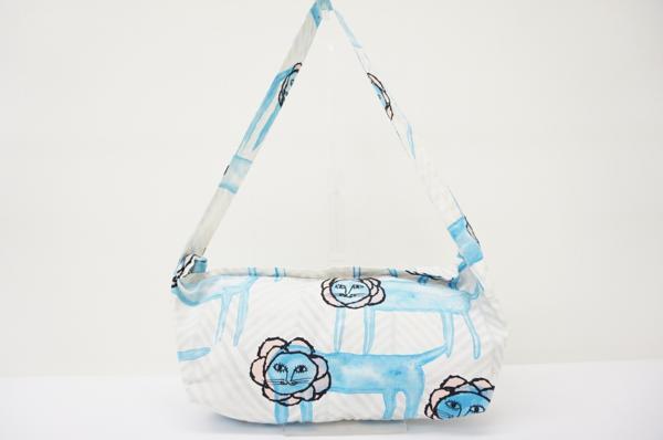 ライオン柄のミナペルホネンのバッグを買取致しました。買取なら実績豊富なアクイールにお任せください。
