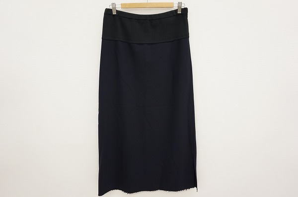 ヨウジヤマモトのロングスカートを買取しました。洋服買取はアクイールへ。