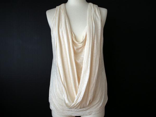 シンプルでありながら洋服から自己主張が感じられるブランド「セイ」
