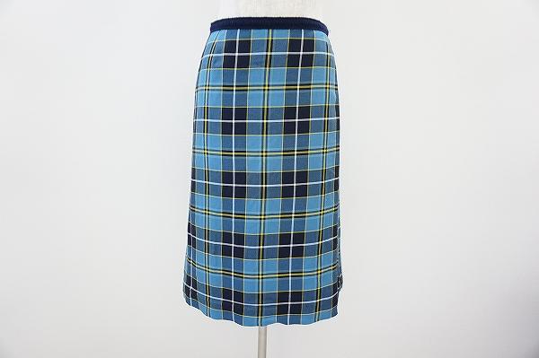 ミナペルホネンのスカートを買取致しました。出張買取が人気のアクイールをご利用ください。