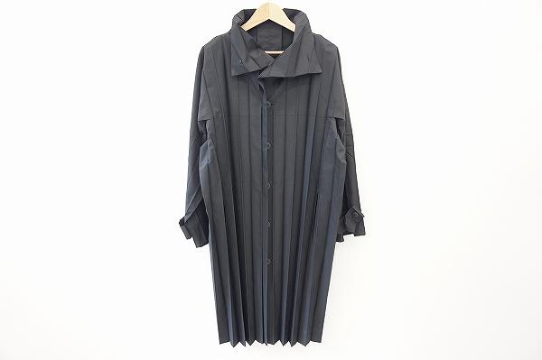 イッセイミヤケ オムプリッセ コート 黒 メンズ