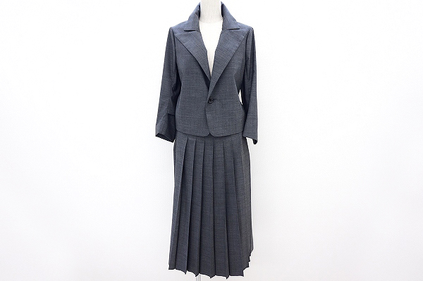 ヨウジヤマモトのスカートスーツを買取しました。洋服買取は専門店のアクイールへ。