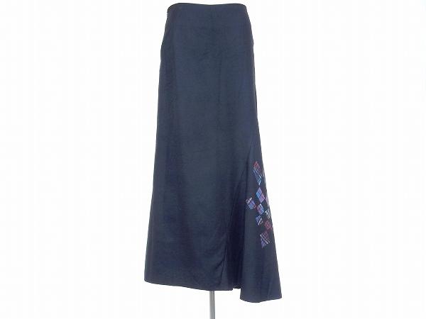 ヨウジヤマモトのスカートを買取しました。洋服買取はアクイールにお任せください。
