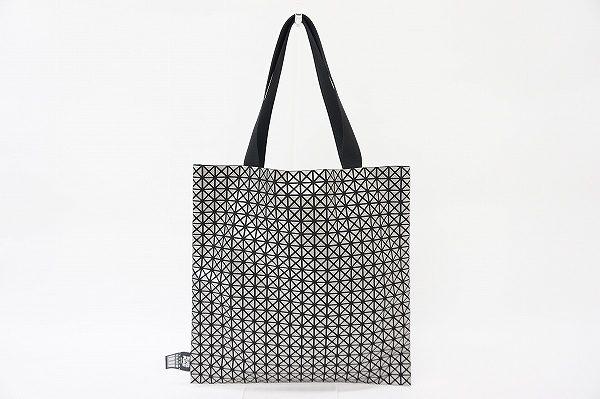 オシャレに差が付く芸術品のようなプリーツプリーズのトートバッグ