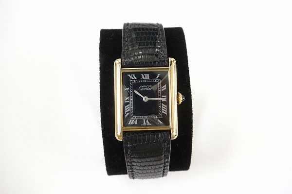 シンプルで飽きのこないデザイン。カルティエの手巻き腕時計を買取しました