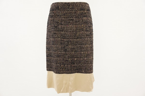 ミナペルホネンのツイードスカートをお売り頂きました。ブランド専門買取アクイール。