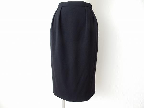 クリスチャンディオールのスカートを買取しました。洋服売るならアクイールにおまかせください。