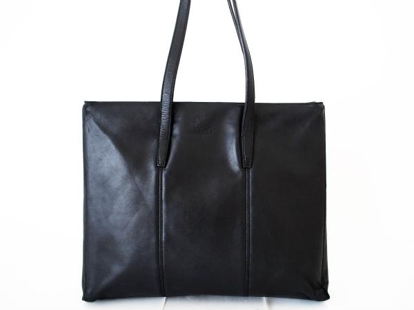 ロエベのレザーショルダーバッグを宅配買取で買取しました。