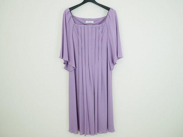 エレガントなデザインが華やかで素敵!アドーアの紫ワンピースを買取しました