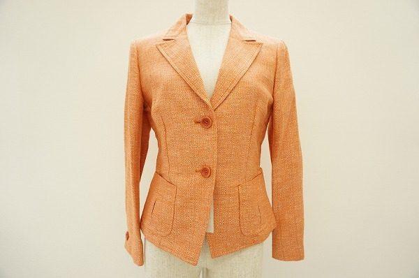 美シルエットのマックスマーラのジャケットなら、パンツ・スカートどちらもOK