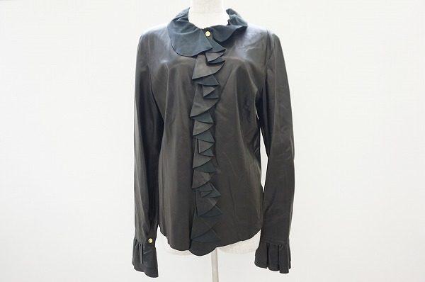 ジャケットとしてもシャツとしても使えるグッチの美フリル羊革トップス
