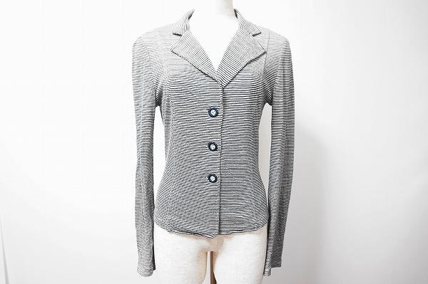 マックスマーラのコットンジャケットを買取しました。ジャケット買取はアクイールにお任せください。