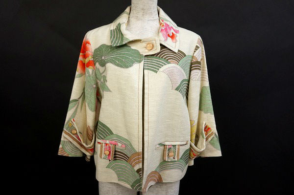 レオナールのジャケットを買取いたしました。洋服買取ならアクイールにお任せください。