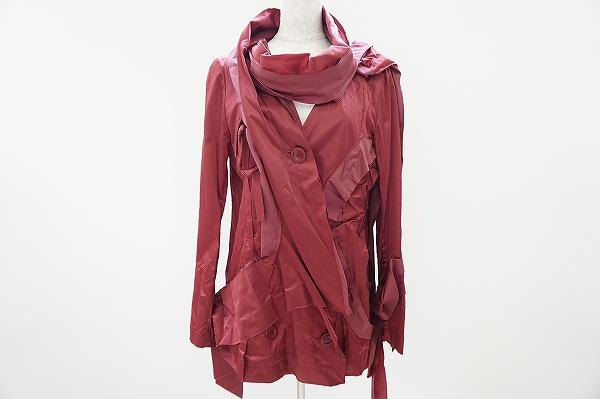 イッセイミヤケのコートを買取しました。コートを売るならアクイールにお任せください。