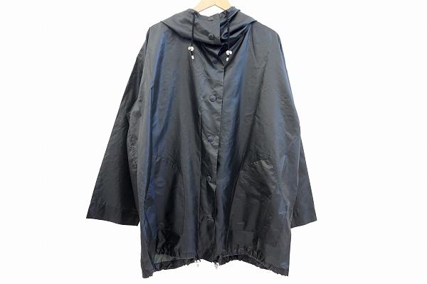 イッセイミヤケのレインコートを買取しました。イッセイミヤケを売るならアクイールへ。
