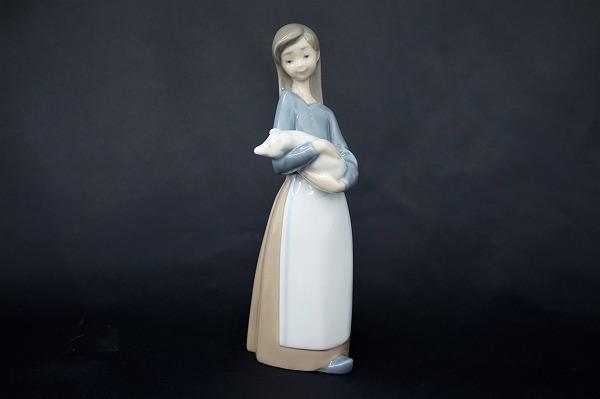 リヤドロ 1011 子豚を抱く少女 置物 オブジェ 陶器 小物