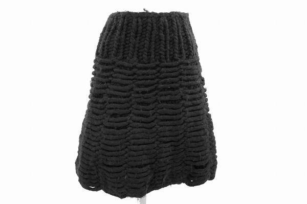 フェンディのニットバルーンスカートを買取いたしました。フェンディのレディース洋服を売るならアクイールへ。