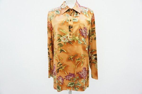 エトロの鮮やかな花柄シャツが、あなたの春の装いを更に彩ります。