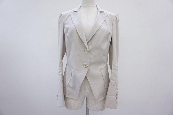 マニッシュなのに軽やか。ブルネロクチネリのメンズライクなジャケットをお売り頂きました