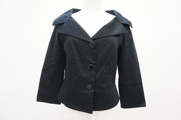 着込んでもセクシー。フォクシーのライトなジャケットを買取しました。