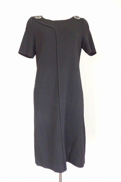 【買取りました】迷ったらシックなブラックドレスで決まり!フォクシーのブラックワンピース。