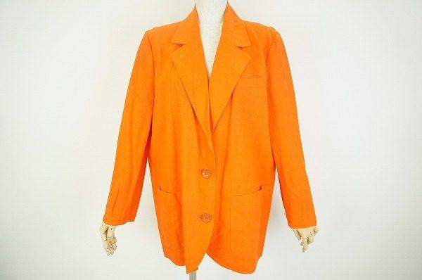 クリスチャン・ディオールの目を引くオレンジのジャケットをお売り頂きました