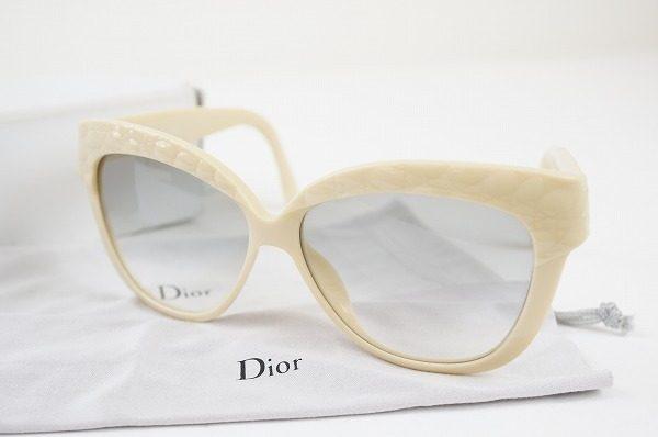 レトロなデザインがオシャレ。クリスチャンディオールのサングラスを買取しました