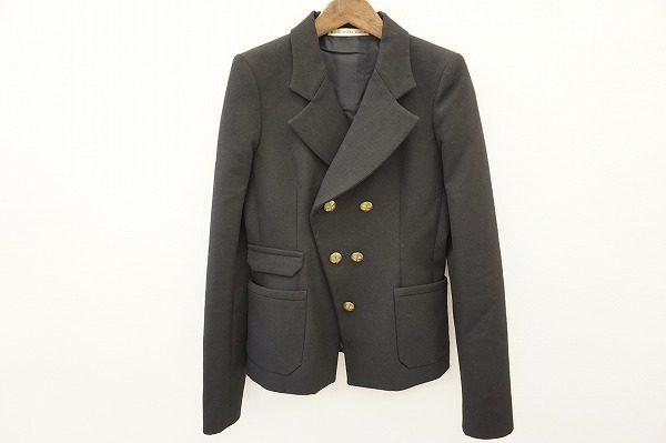 遊び心を忘れさせない、クラシカルな嗜好品。バレンシアガのブラックジャケットをお売り頂きました