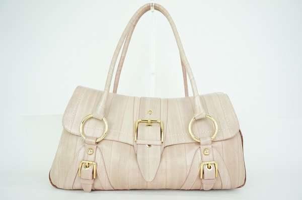 通勤やデート、女子会などにも使いやすい。ドルチェ&ガッバーナのショルダーバッグを買取しました