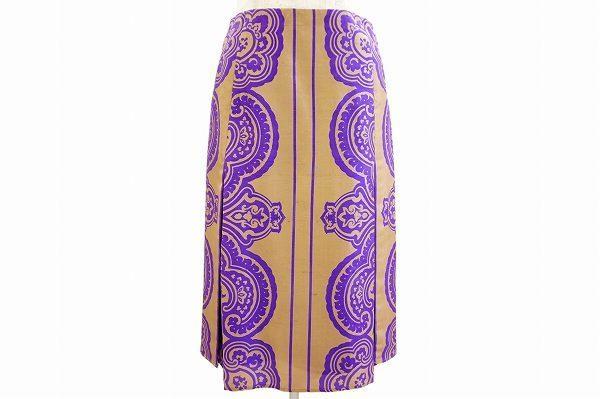 エトロらしい雰囲気が漂う。ペイズリー柄のスカートを買取しました