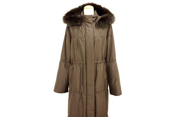 バルマンのシルクダウンコートを買取しました