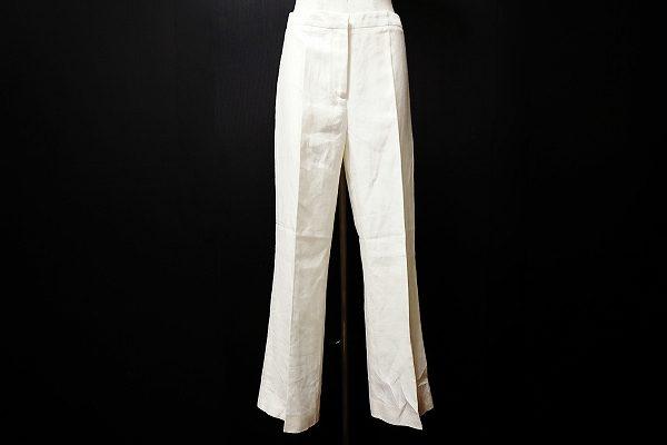 夏に映えるクールなアニオナの白いパンツを買取しました