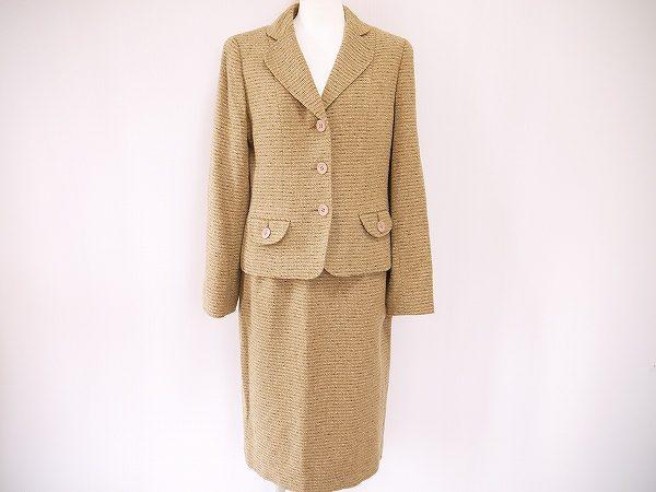 エレガントで美しい、毎日着たくなるマダムジョコンダのスカートスーツを買取いたしました