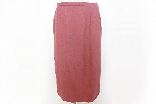 絶妙なカラーリングと丈感のジュンアシダのスカートを買取いたしました