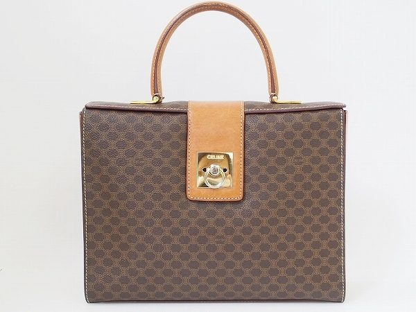 かつてセリーヌを代表するアイコンのマカダム柄のハンドバッグを買取いたしました