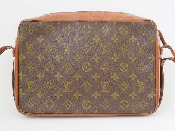 ユニセックスで使える便利なルイ・ヴィトンのショルダーバッグを出張買取いたしました