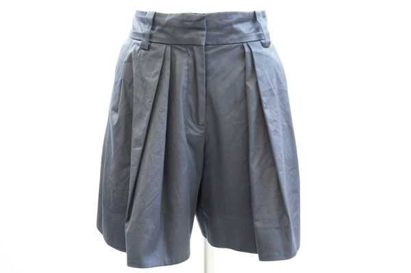 履くだけで大人可愛いスタイルに。セリーヌのキュロットパンツを店頭預かり買取いたしました