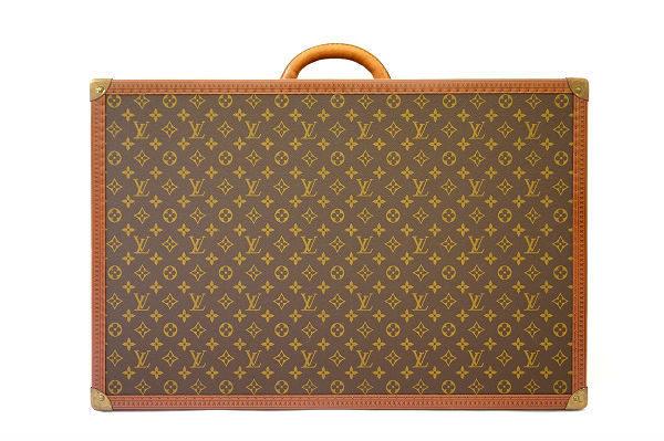 王道のモノグラム柄が贅沢にプリントされたルイ・ヴィトンのトランクケースを買取いたしました