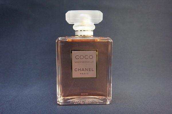 多くの女性に愛され続けているシャネルのココマドモアゼルを買い取りました