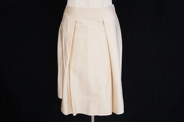 上品な毎日のコーデで大活躍しそうなハロッズのスカートを宅配買取いたしました