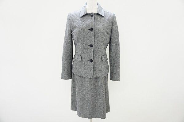 ベーシックに使えるニューヨーカーのレディーススーツをお譲りいただきました