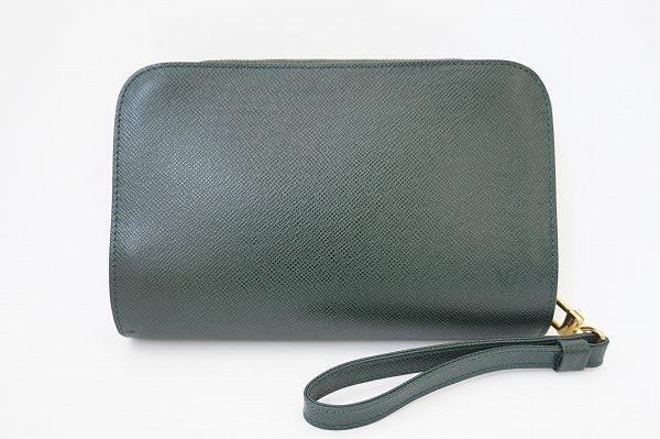 シンプルで実用性もバッチリ、ルイ・ヴィトンのセカンドバッグ タイガを買取いたしました