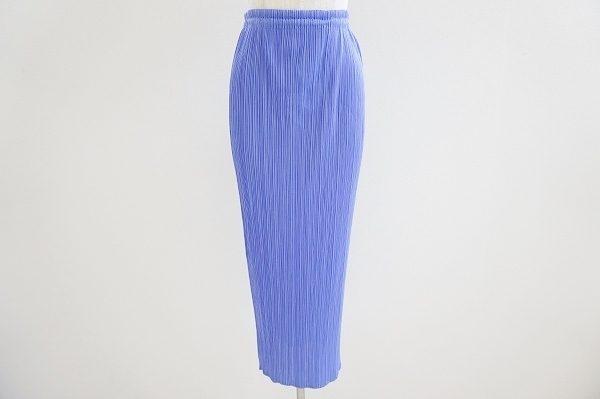 上品な色と丈でエレガントな装いに。プリーツプリーズのスカートを買取いたしました