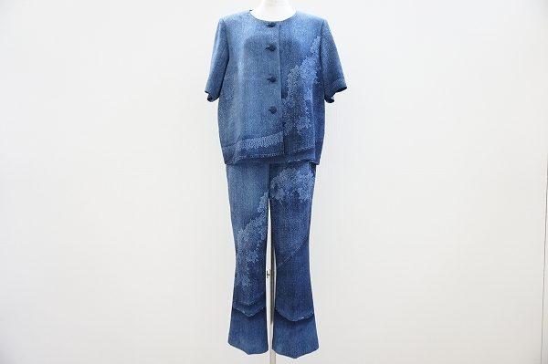 ちりめんアイテムで人気の詩仙堂のパンツスーツをお譲りいただきました