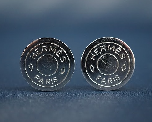 シンプルで上品な定番人気のセリエモチーフのシルバーイヤリング!エルメス HERMES