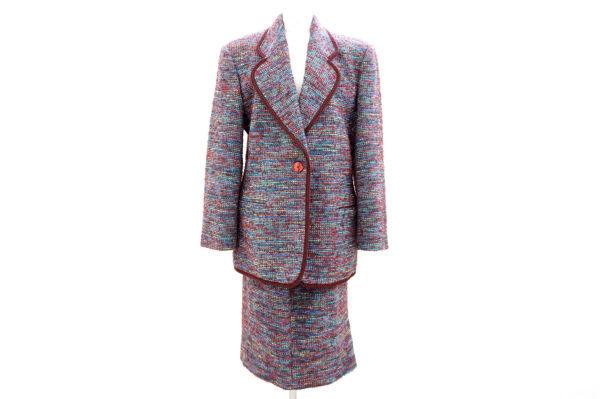 美しく全体を彩るミッソーニのスカートスーツを買取いたしました