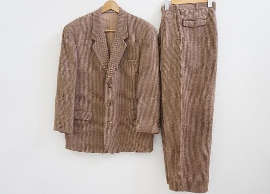 ウールで軽く暖かいパパスのツイードスーツ!美品状態で買取させて頂きました。