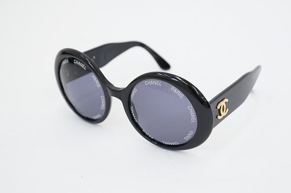 丸形フレームが女性らしさを演出!シャネルのサングラスを買取しました